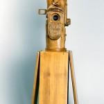 Aparat posiada 3 czasy, naświetla kadr 18x24 na filmie 35 mm